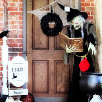 How to Create Spooky Halloween Front Porch
