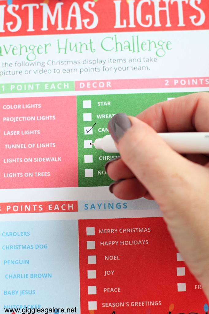 Christmas light scavenger hunt checklist