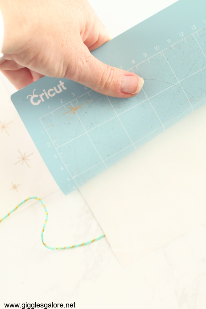Removing paper from cricut mat