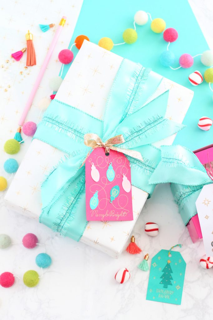 Wrapping paper tag