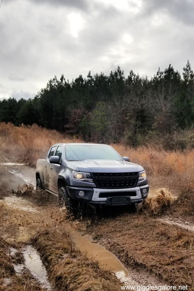 Off road mud chevy colorado