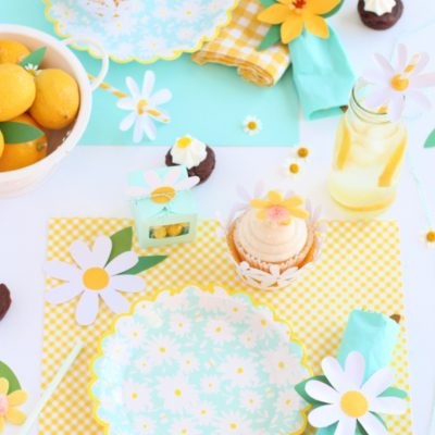 Cricut daisy party table