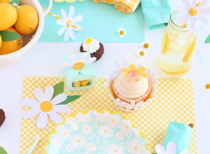 Cricut daisy party table