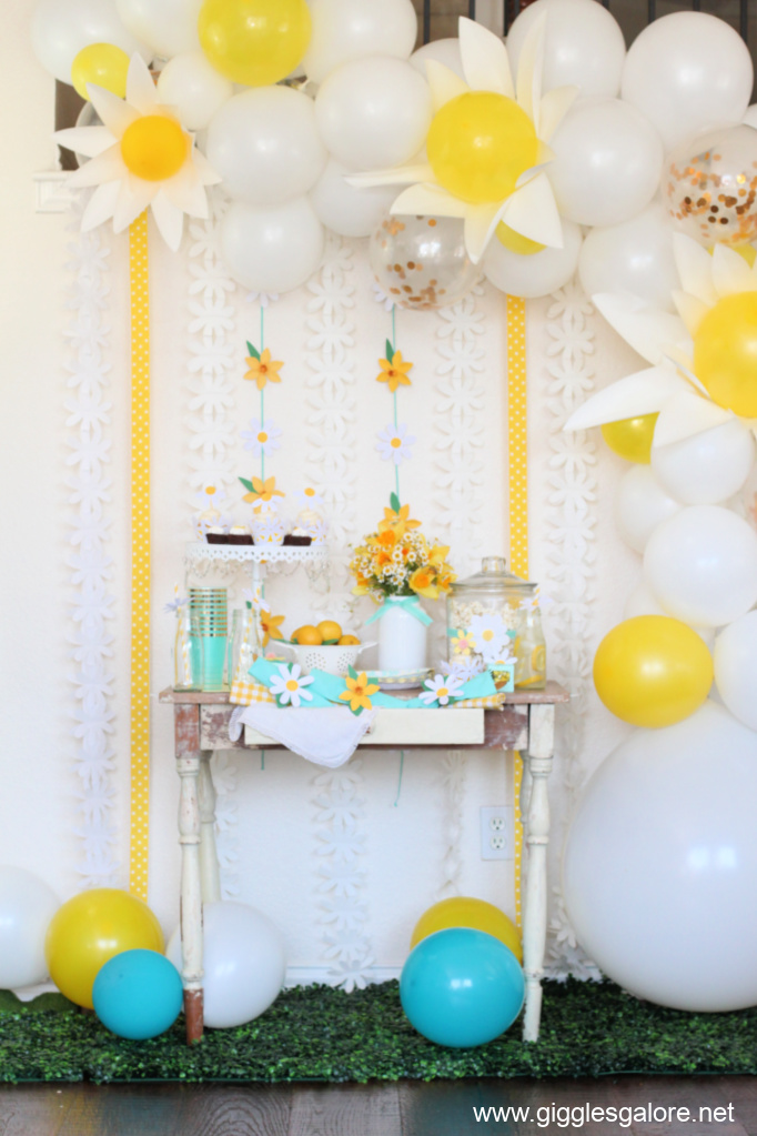 Daisies daffodils garden party ideas