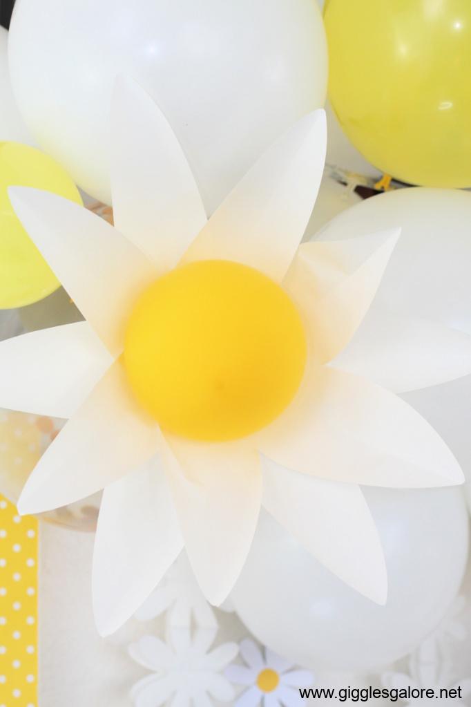 Diy daisy balloon garland