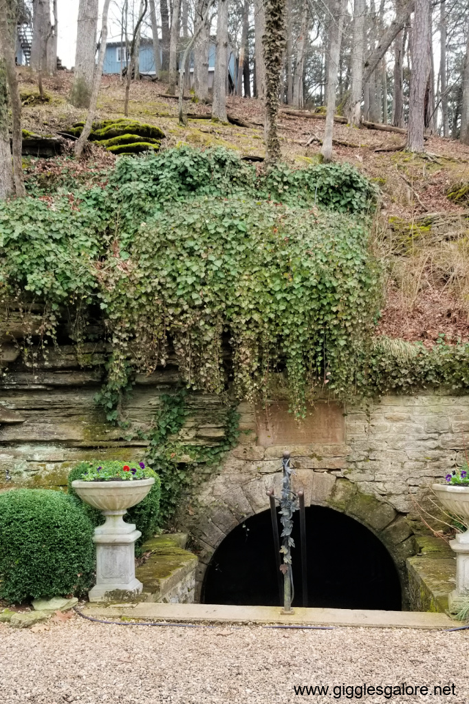 Eureka springs grotto spring