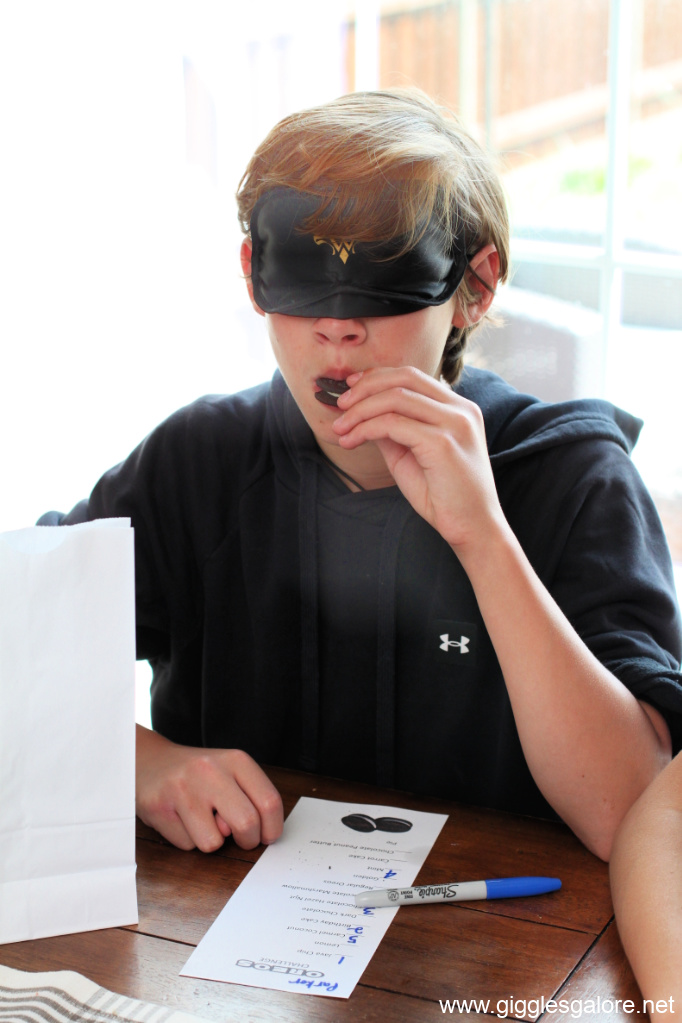 Blindfolded oreo taste test