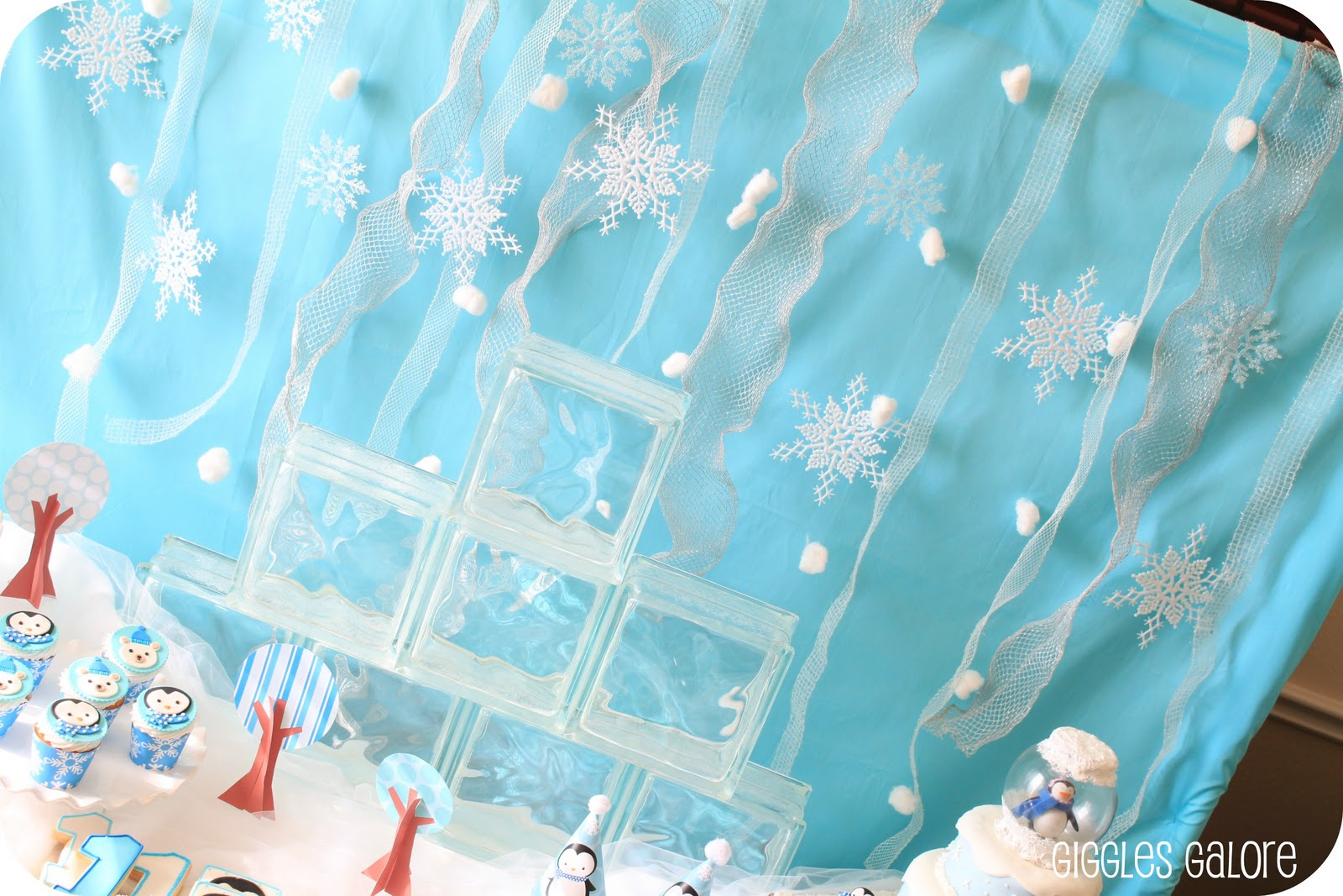Penguins amp polar bears winter onederland birthday party giggles