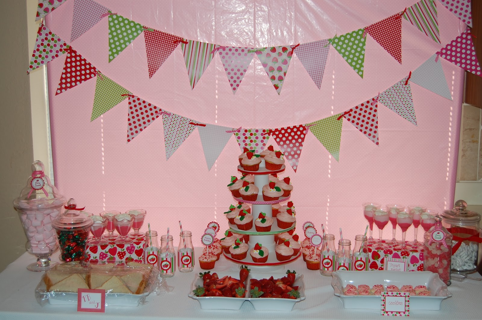 & Strawberry Shortcake Party - Giggles Galore